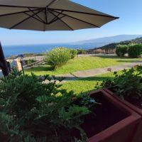 Caminia. Casa Vacanza con Giardino Vista Mare